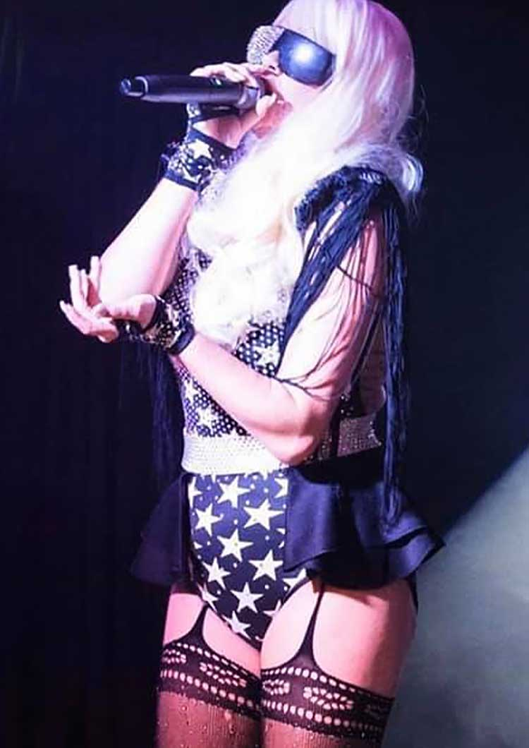 Amie Louise solo vocalist